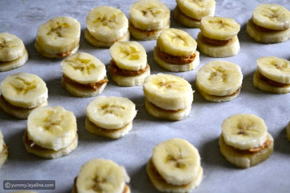 فيديو حلوى الموز بزبدة الفول السوداني وصوص الشوكولاتة